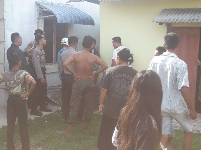 Suasana di TKP tersangka narkoba di Jalan Kuda Laut Karimun, sore tadi, (riandi)