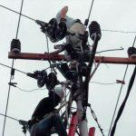 Tiang Listrik Tumbang, PLN Terpaksa Padamkan Sebagian